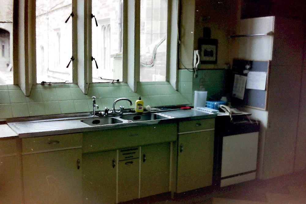 kitchen1996.jpg